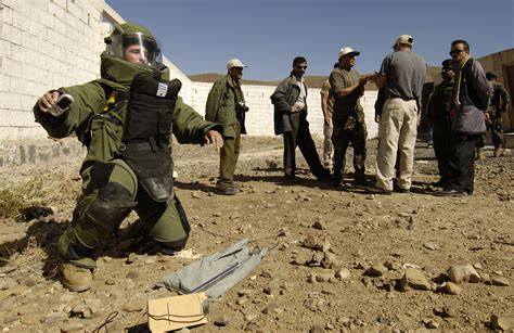 File:US Navy 051214-F-7234P-064 Yemen Explosive Ordinance ...