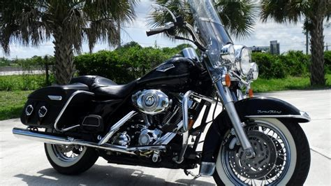 Harley Davidson Road King Special Wallpaper by Black Harley Davidson Road King Hd Wallpaper Wallpaperfx