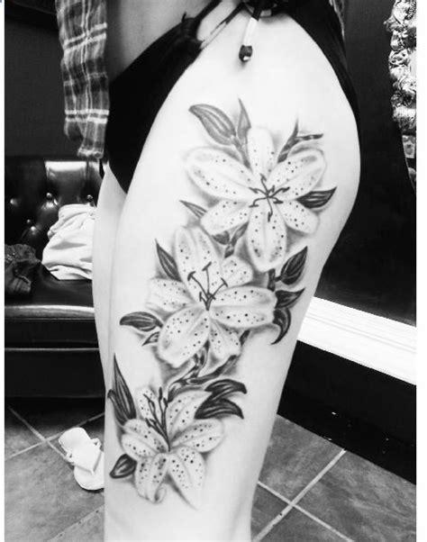 thigh tattoo flowers | Flower thigh tattoos, Tattoos, Badass tattoos