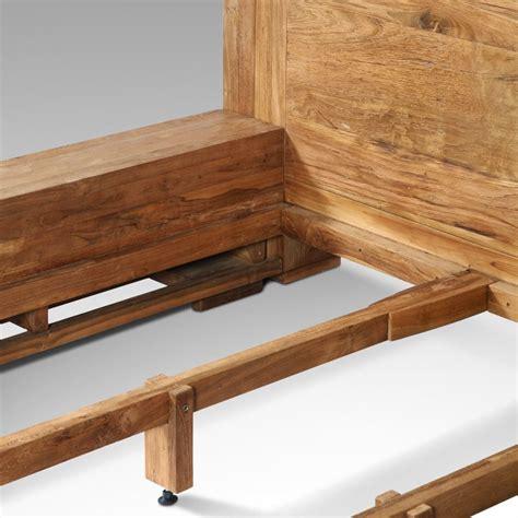 chambre en bois massif chambre adulte en bois massif lit quadro lit 2 places