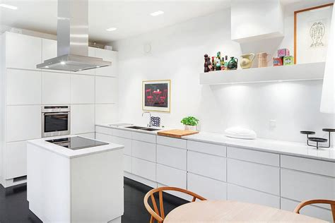 cuisine ikea blanc laqu cool idees de design de maison cuisine ikea blanc bleu avec cuisine ikea blanche et bois with meuble ikea blanc laqu with