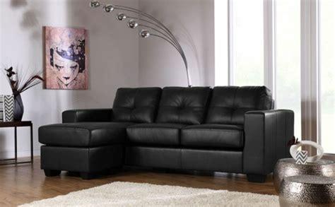 salon canape noir le canapé d 39 angle en cuir 60 idées d 39 aménagement