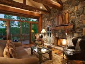 wohnzimmer im landhausstil dekorieren steinwand wohnzimmer 43 beispiele wie steine auf das ambiente wirken