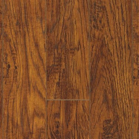 wood flooring pergo pergo xp highland hickory laminate flooring 5 in x 7 in take home sle pe 882882 the