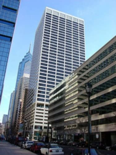 beneficial bank signs  year lease  philadelphia high rise