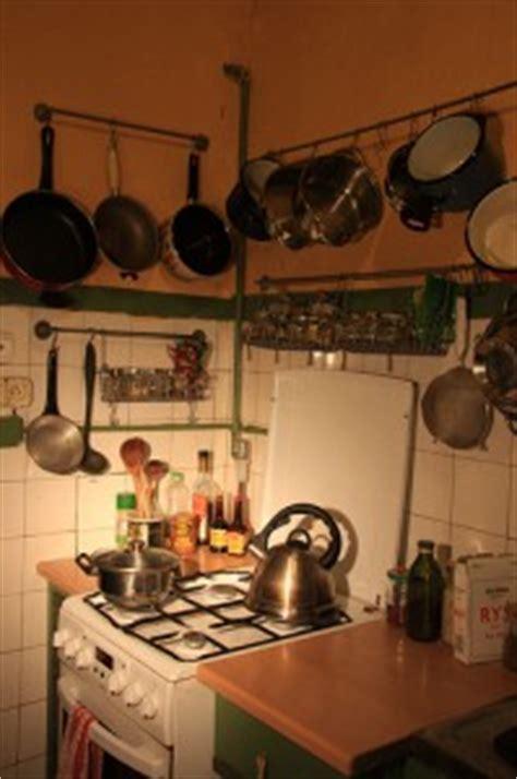 barre support cuisine barre de cuisine pour gagner de la place dans votre cuisine