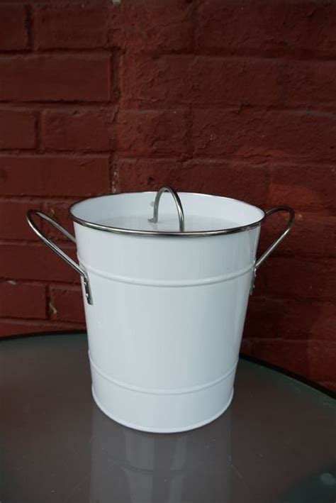 DIY countertop compost pail   Gardening   Pinterest   Diy
