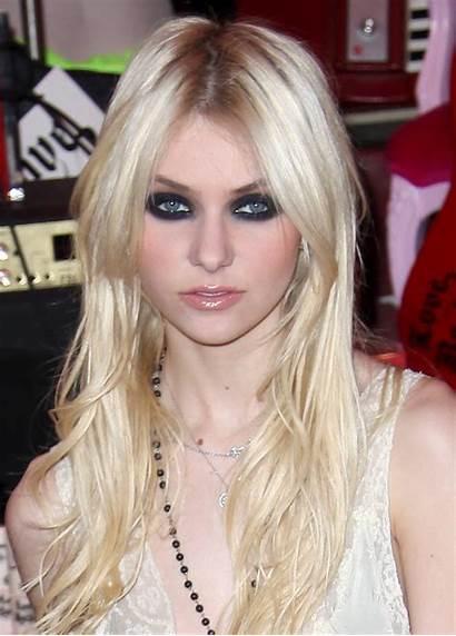 Momsen Taylor Michel Models