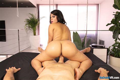 Latina Ass Shake Curvy Girl Bounces For Your Dick VR Porn Video VRPorn Com