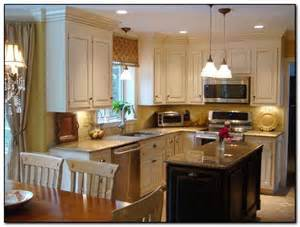 hgtv kitchen island ideas how to coordinate paint color with kitchen colors with