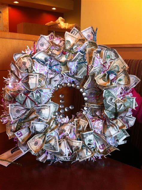 money wreath  wedding gift party ideas decorations