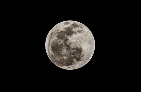 Moon Colony Not That Far Away, Says Buzz Aldrin