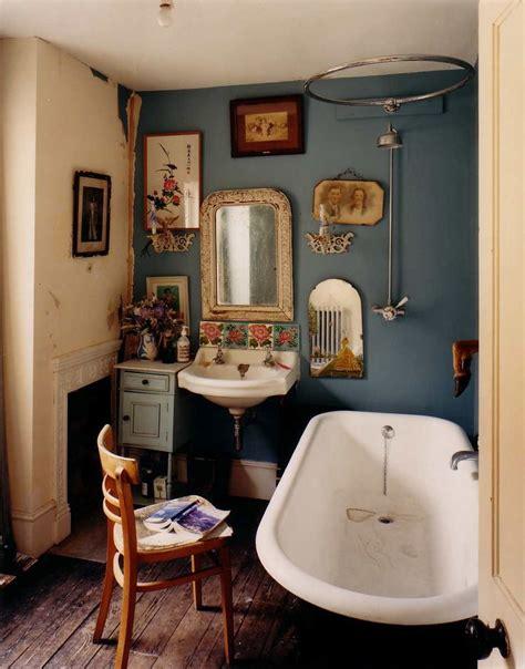 Photo Hugh Stewart, Interior, Bathroom, Navy Walls, Blue