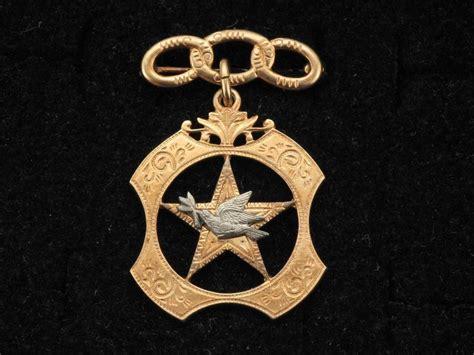 details  signed lgb vintage  gold sterling dove
