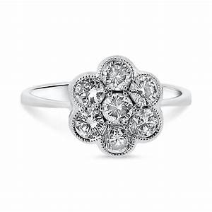 18ct white gold daisy cluster round brilliant cut diamond With daisy wedding ring