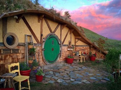 hobbit hole airbnb tiny house washington state todaycom
