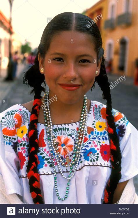 mexikanische frau 1 1 mexikanische frau junge frau kost 252 mierte t 228 nzer t 228 nzerin guelaguetza festival oaxaca