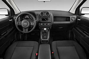 Jeep Compass Sport : 2015 jeep compass reviews and rating motortrend ~ Medecine-chirurgie-esthetiques.com Avis de Voitures