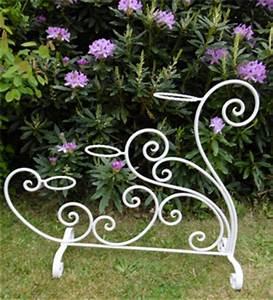 jolis meubles et objets de jardin authentiquement anciens With porte pots de fleurs interieur