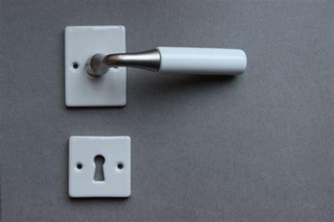 poignee de porte porcelaine poign 233 e de porte porcelaine blanc nickel sat rosace cl 233 l espace poign 233 es