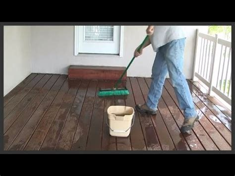 Cleaning Decking With Oxygen by Cleaning A Wood Deck