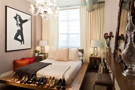 beautiful way to arrange my bed in a single room by