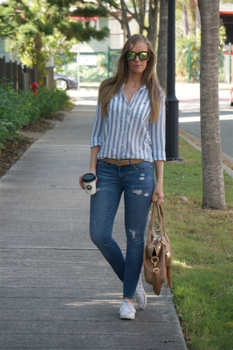 casual weekend outfit ideas stripes  distressed denim