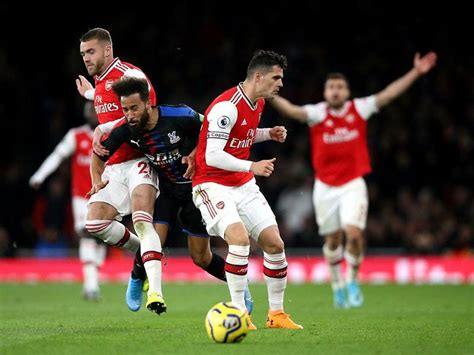 Xhaka reacts angrily to fans as Arsenal let slip two-goal ...