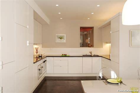 faux plafond cuisine spot faux plafond spot with contemporain cuisine décoration
