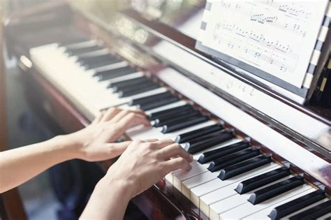 Reading piano sheet music for beginners. Tips and techniques to learn easy piano - Daily Post Newz