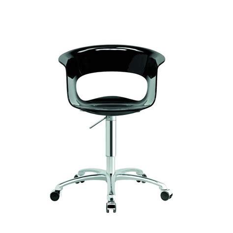 chaise roulante de bureau chaise de bureau design a miss b par scab