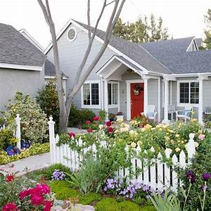 Front garden design ideas creative design ideas for your for Cottage garden fence ideas