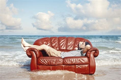 Couching Surf by Your Introductory Guide To Couchsurfing Around The World