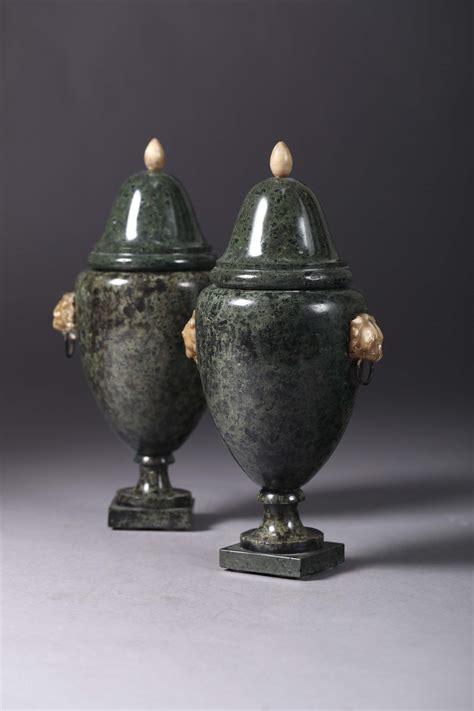 vasi marmo coppia di vasi in marmo verde e alabastro arte