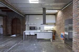 Loft-Barcelona-warehouse-conversion-6-kitchen - Panda's House