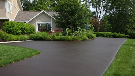 photos of driveways determining asphalt driveway paving cost for 2017 vancouver paving contractor superior