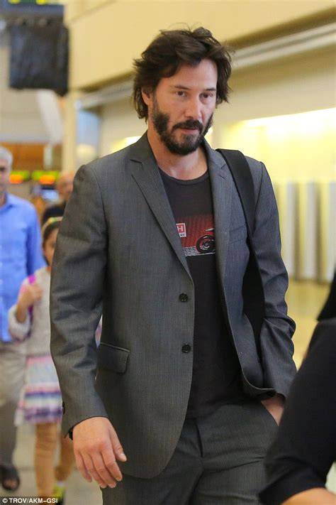 Keanu Reeves looks younger than ever showcasing youthful ...