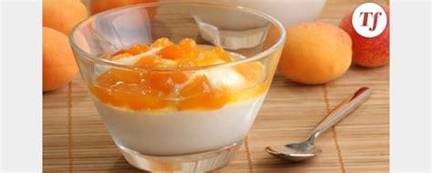 dessert avec yaourt aux fruits recette pour yaourti 232 re yaourt aux fruits au sirop