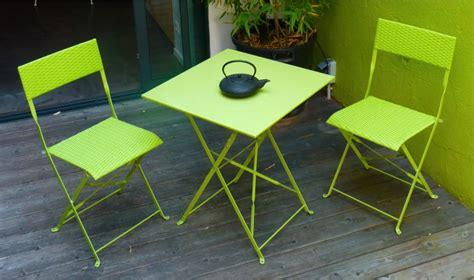 table et fauteuil de jardin pas cher 2 places mezzo finition vert pomme dcb garden