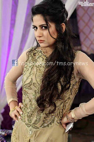 pakistani actress long hair which pakistani actresses have long hairs