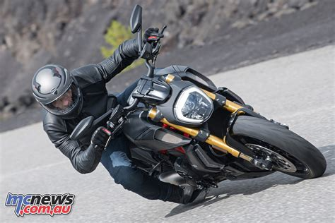 Ducati Diavel Image by 2019 Ducati Diavel And New Diavel S Get Dvt 1262 Engine