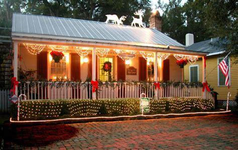 porch christmas decoration lights bunting southern homebnc