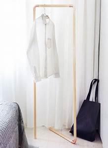 Portant Vetement Bois : des barres en bois pour fabriquer un portant v tements ~ Teatrodelosmanantiales.com Idées de Décoration