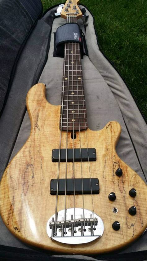 sold lakland skyline   deluxe spalted maple