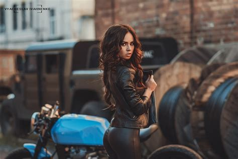 Women, Pants, Ass, Looking At Viewer, Portrait, Motorcycle