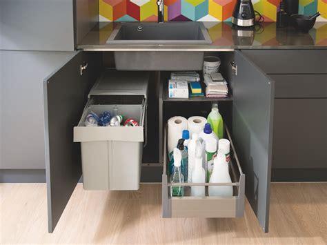 hauteur de hotte de cuisine des meubles pratiques et fonctionnels dans toute la maison avec cuisinella