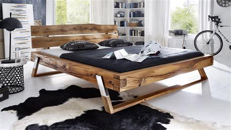 Balkenbett Be0276 Bett Aus Wildeiche Massiv 180x200 Füße