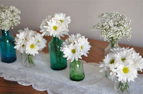 Beautiful And Bright Simple Centerpieces Ideas