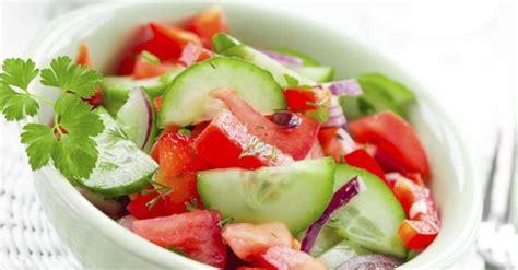 recette de salade froide de concombres tomates et menthe