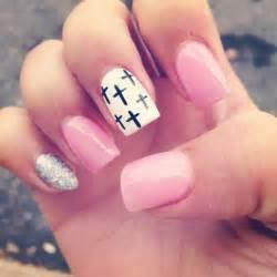 plexiglas design 1000 images about cross nail design on